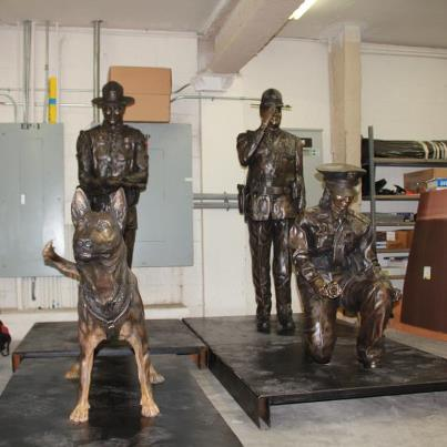 Memorial Statues3